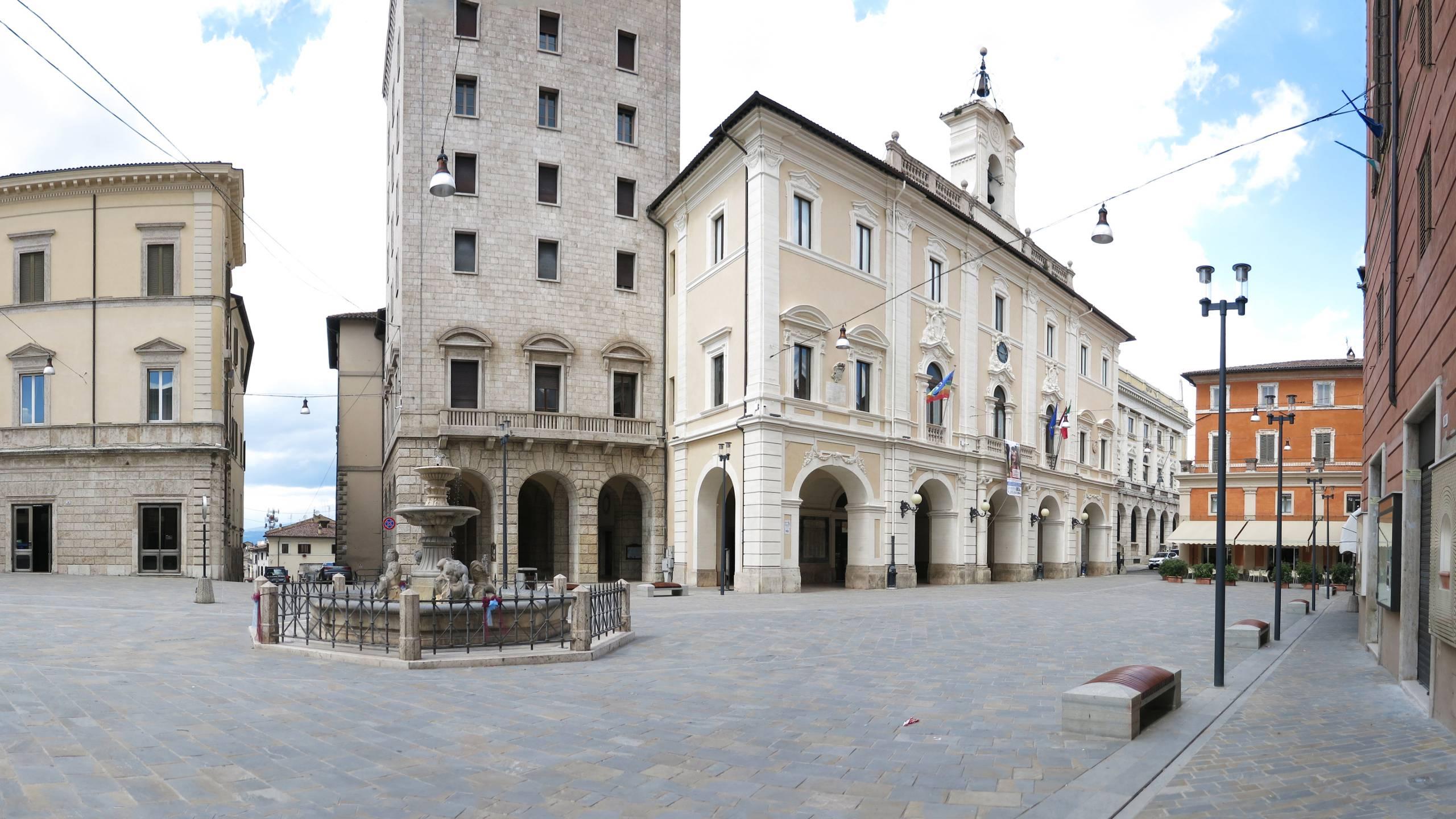 hotel-serena-rieti-piazza-Vittorio-Emanuele